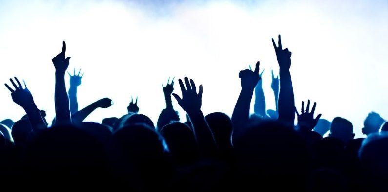 7779658202_concert-public